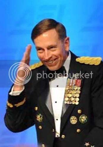 Petraeus gongs