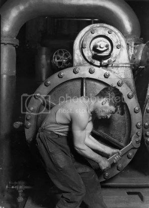Lewis Hine: mechanic