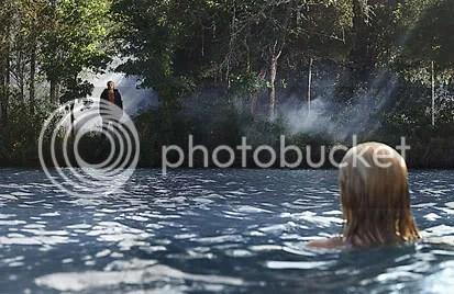 Nunca mais Chelsea tira roupa para se divertir na água - CLIQUE PARA AMPLIAR ESTA FOTO EM ÓTIMA RESOLUÇÃO