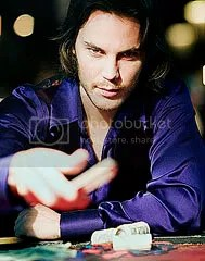 Taylor Kitsch é Remy LeBeau, o Gambit - CLIQUE AQUI PARA AMPLIAR ESTA FOTO EM ÓTIMA RESOLUÇÃO