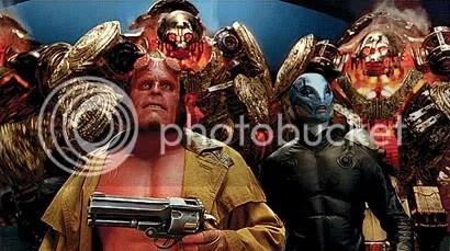Hellboy e Abe encaram o exército dourado - CLIQUE PARA AMPLIAR ESTA FOTO