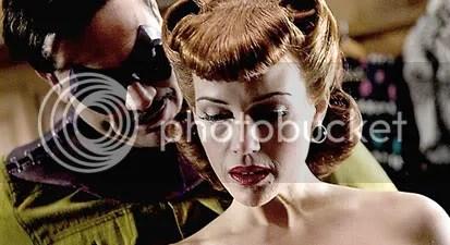 Carla Gugino e Jeffrey Dean Morgan em Watchmen- CLIQUE PARA AMPLIAR ESTA FOTO EM ALTA RESOLUÇÃO