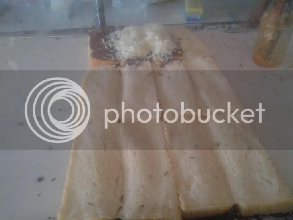 Roti Bakar Campur Keju saya on process