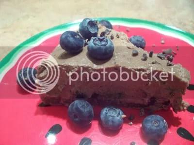 chocolate,cheesecake,cheese cake,raw pie,raw cake,raw desserts,desserts,raw food recipes,raw recipes,blueberries,coconut