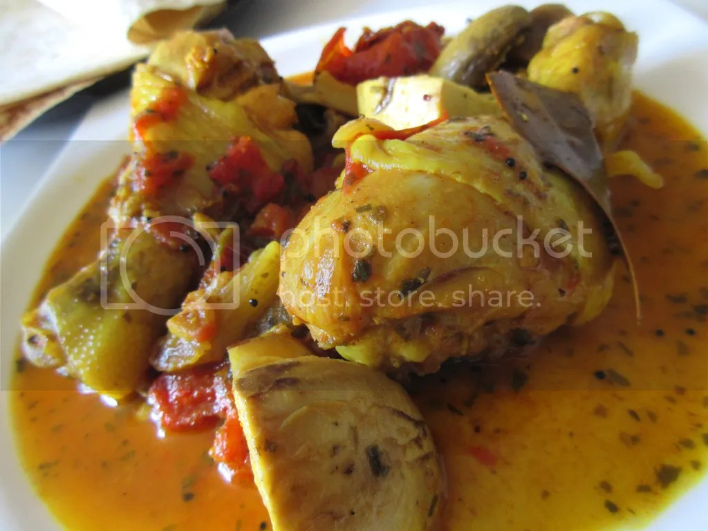 Chicken and mushrooms curry with Coriander
