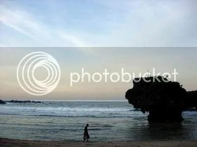 pagi di pantai siung