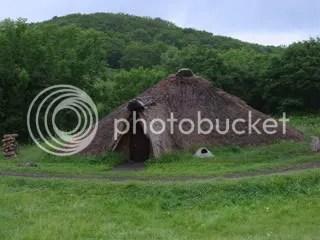JomondwellinginHokkaido.jpg picture by Heritageofjapan