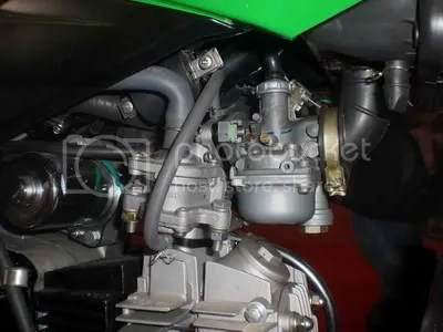 Karburator dilengkapi perangkat khusus agar bisa mengkabutkan gas LPG. Sudah dipatentan oleh Kanzen.