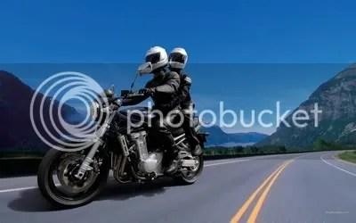 riding boncengan