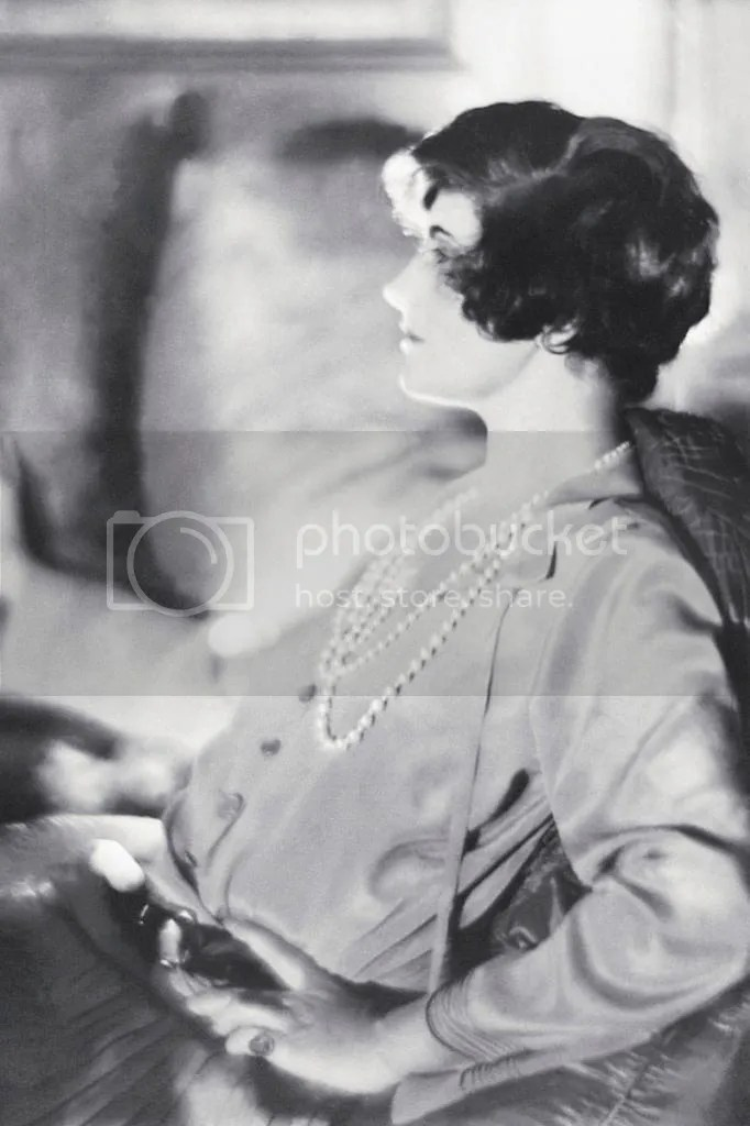 photo elle-1920-coco-chanel-with-short-hair-xln-xln_zpsdbf8c64e.jpg