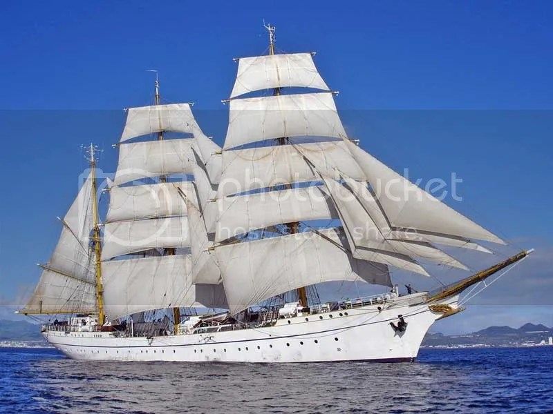 Gorch Fock vor den Azoren, marine.de