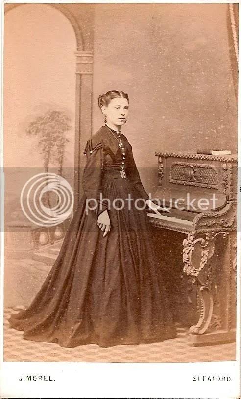 Celeste Tumulte, Lady and Piano
