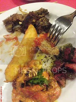 Daging kambing, fries, salad, dan udang sambal...5 star
