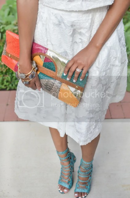 fashion blogger, dallas fashion blogger, dallas blogger, detroit blogger, black blogger, style diaries, 2 piece outfit, floral skirt, crop top, h&m, just fab, just fab taesha, druzy bangles, clutch bag, smokey eye, spring fashion, midi skirt