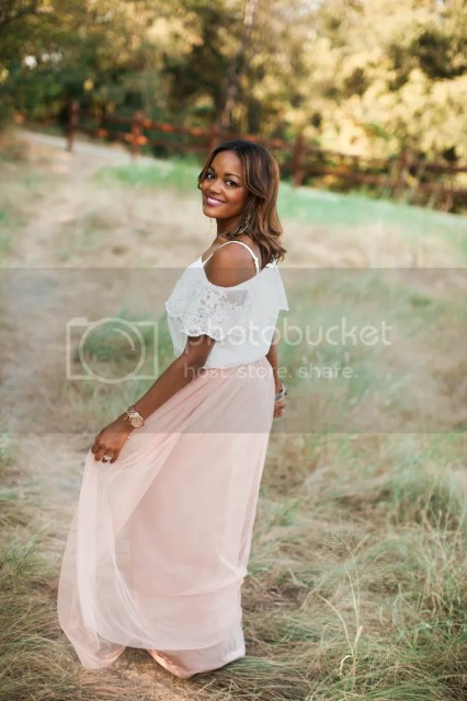 tulle skirt, how to wear tulle skirt, bcbb gold sandals, druzy bracelets, off shoulder asos, asos, dallas blogger, fashion blogger, dallas fashion blogger, detroit fashion blogger, black fashion blogger, arm stack, druzy stack, what to wear family photos