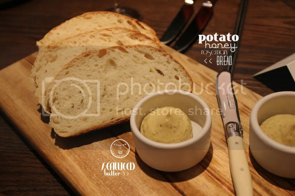 Potato, honey and rosemary bread with seaweed butter