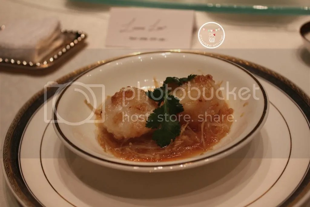 steamed scallop  and vermicelli with garlic