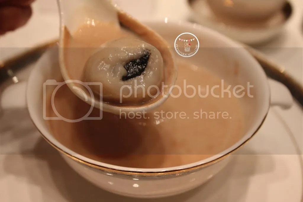black sesame glutinous rice ball