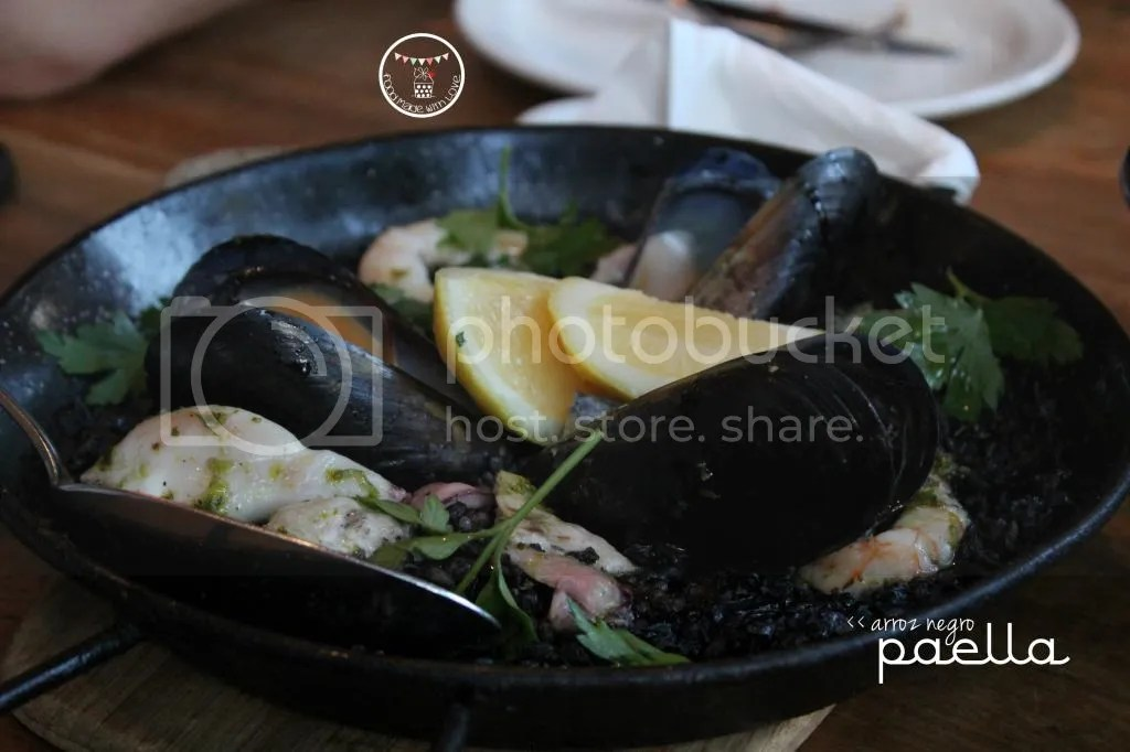 arroz negro paella