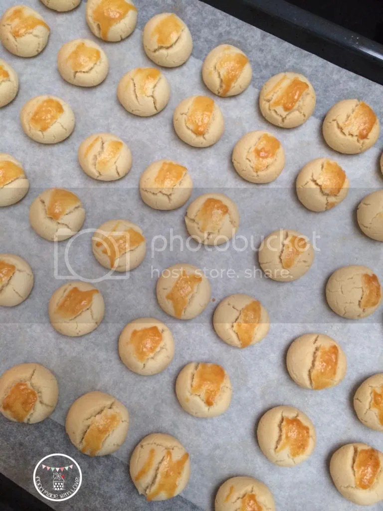 Sugee cookies