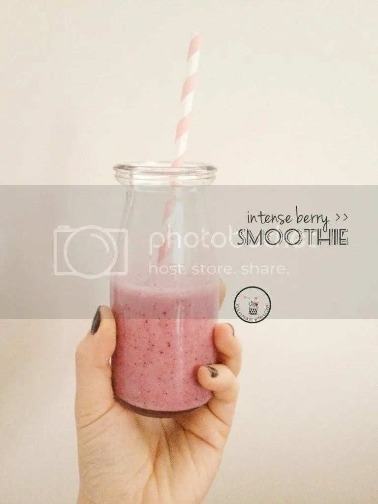 Intense berry smoothie