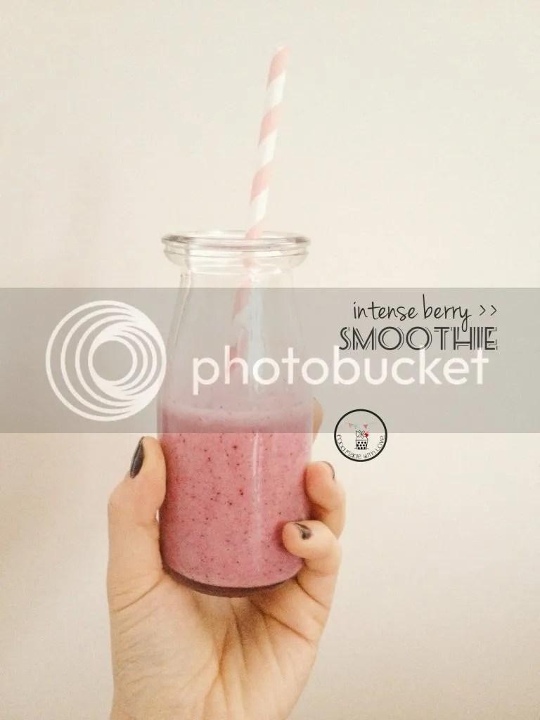 Intense berry smoothie
