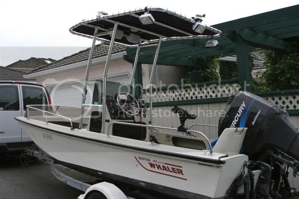 Boston Whaler Newport 17