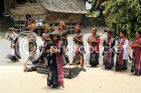 Batak Dancing