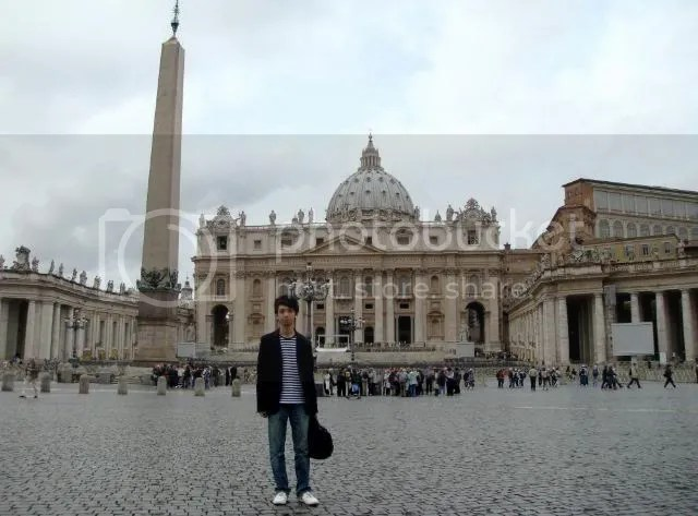 Jeremy C.K. Shih on Piazza San Pietro