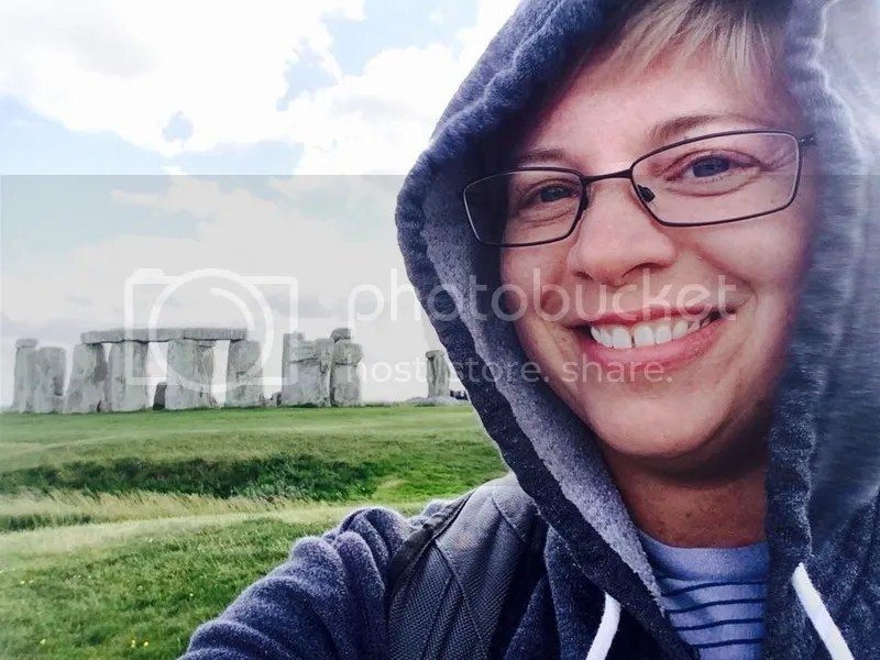 photo selfie stonehenge.jpg