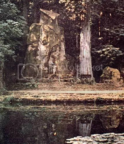Pictures of the Bohemian Grove - Masonic Owl god Molech (5/6)