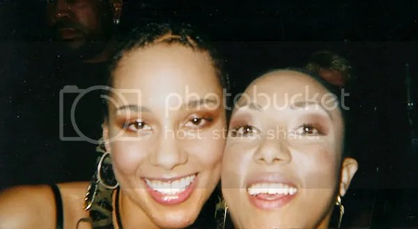 Alicia Keys and Victoria Vives at the MTV Europe Music Awards