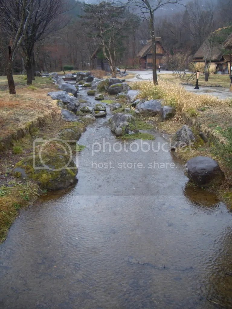 Babbling brook that goes past the gassho zukuri homes