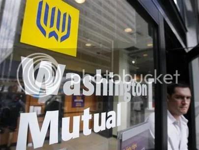 Washington Mutual Bank, ngân hàng tiết kiệm lớn nhất Mỹ, hôm nay cũng đã bị sụp đổ tiếp theo sau hàng loạt ngân hàng và t�p đoàn tài chinh lớn nhất thế giới của Mỹ.