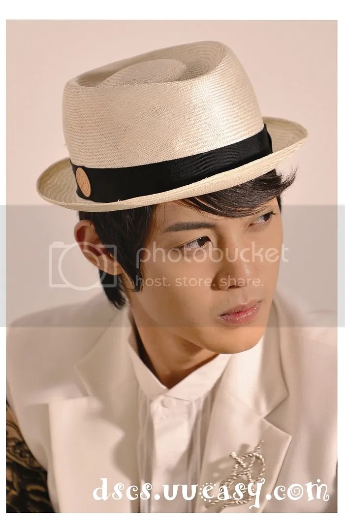 https://i2.wp.com/i298.photobucket.com/albums/mm266/wing725/Hyun%20Joong/HJL_MIVO009-1.jpg