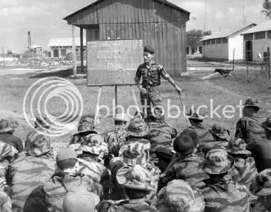 Resultado de imagen de asesores militares en vietnam
