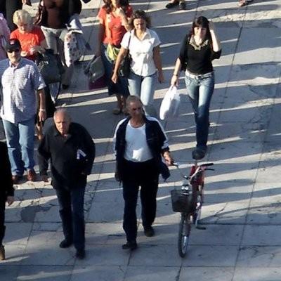 Учен: България намалява с 220 души на ден и 9 души на час