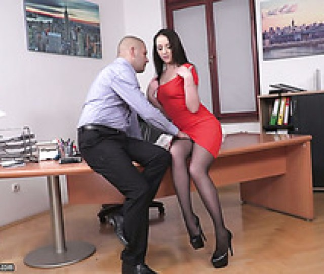 Pervy Boss Fucks His Gorgeous Russian Assistant Carolina June In Office