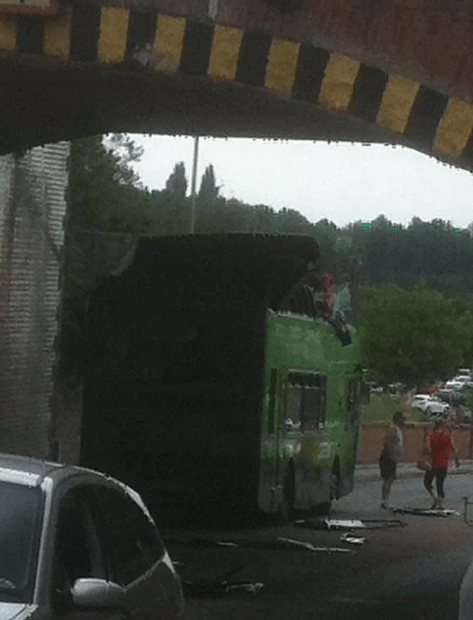 Stockport bus crash (Picture by @stehutchy on Twitter)