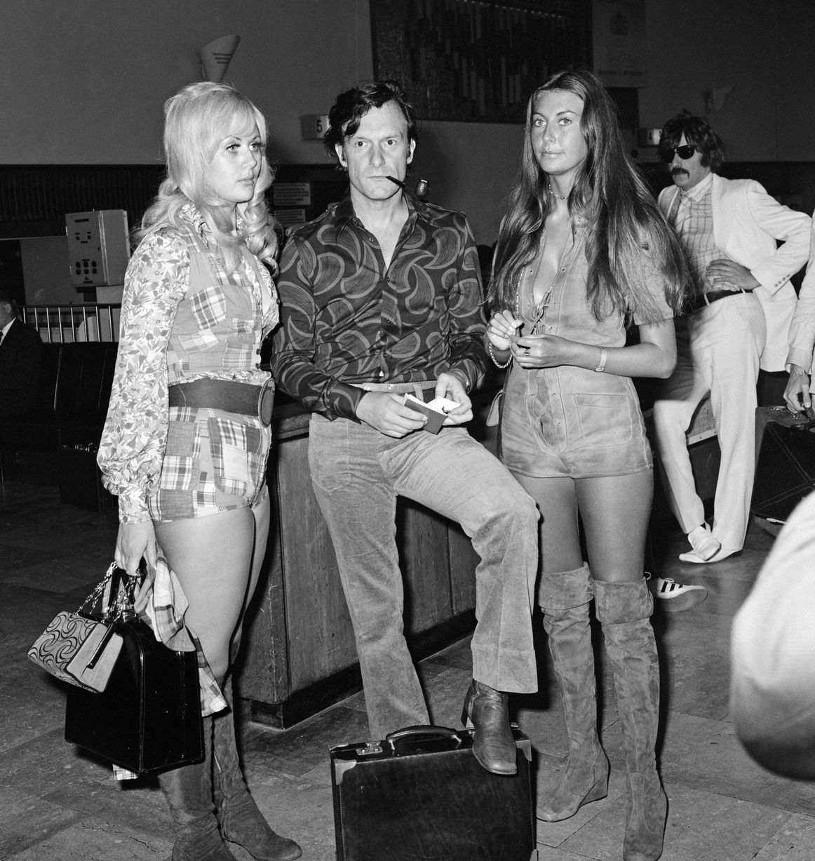 Everette hatcher iii the daily hatch page 10 8th august 1971 the playboy boss pictured at heathrow airport before his flight to saint tropezhefner created playboy as the first stylish glossy mens fandeluxe Gallery