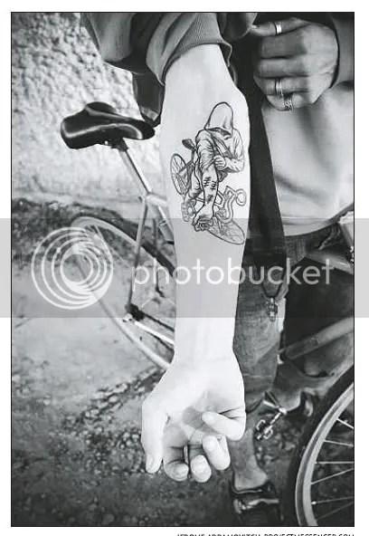 [Foto: tatoo]