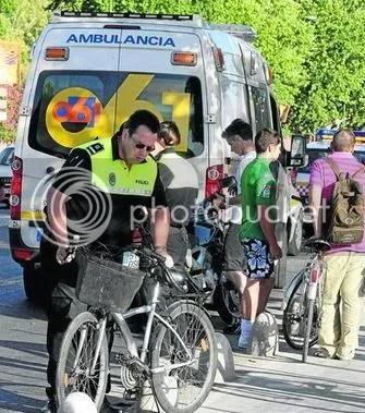 [foto: ciclista accidentada. Casualmente en carril-bici]