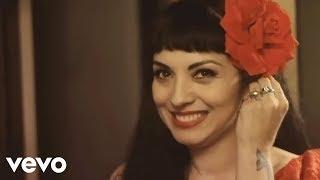 Mon Laferte - Mi Buen Amor ft. Enrique Bunbury