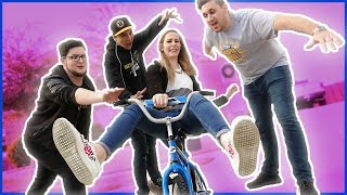 TEACHING MY GIRLFRIEND HOW TO RIDE A BIKE!! (FUNNY) 😂