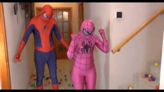 per bambini Spiderman con Spiderman rosa e Spiderman Nero e le palline c
