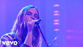 Tame Impala - Love/Paranoia (Live on The Tonight Show Starring Jimmy Fallon)