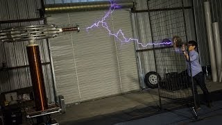 How Giant Tesla Coils Work (with ArcAttack)