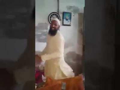 Khatme Nabuwwat Mullah Ya Khusra Dancing On Vulgure Song They Need No Musleh ? Mullah are enough