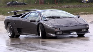 Lamborghini Diablo Trying to Drift!