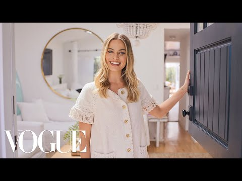 73 Questions With Margot Robbie | Vogue